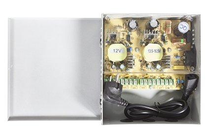 Boîtier d'alimentation 12 volts - 8 sorties - 10 ampères