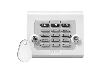 clavier de commande sans fil avec badge somfy 2401241. Black Bedroom Furniture Sets. Home Design Ideas